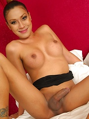 Gorgeous Thai Ladyboy Zonia Pounded