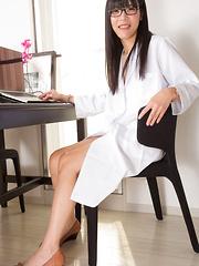 Dr Yui's Slutty Surgery