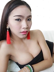 Lovely big-dicked Thai Ladyboy opens ass for tourist after date